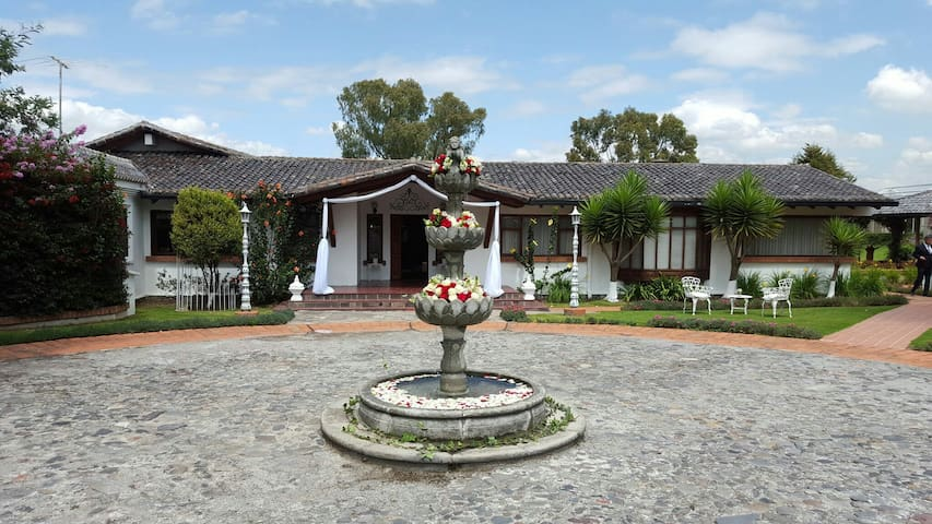 Casa de sueño en el Valle Quito-Ecuador