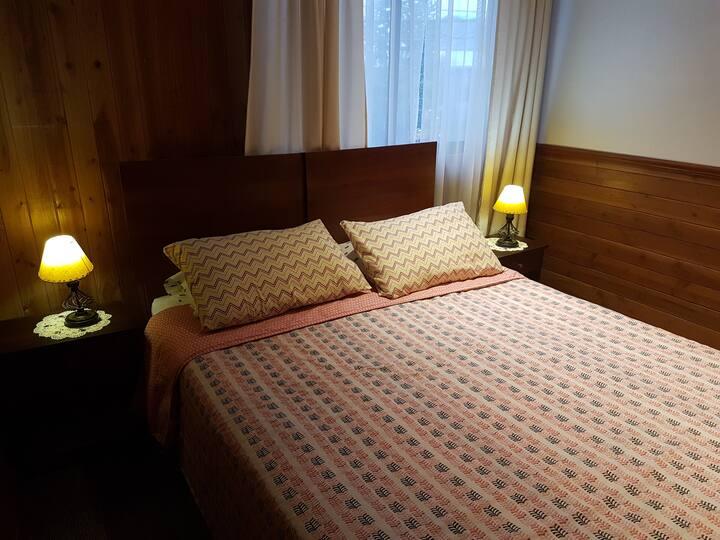 Hostal Victor, habitacion en centro de Pucon