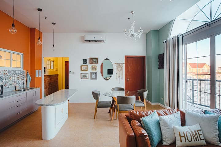 Vintage Penthouse - Apple One Banawa Heights