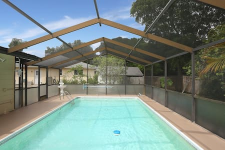 Sweet Cabana Pool home with bicycles for two! - ヴェニス
