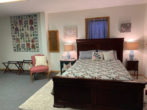 Immaculate spacious entire apartment in Tully