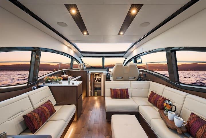 Beautiful Chic Luxury Yacht - Seattle Waterfront - Seattle - Boot