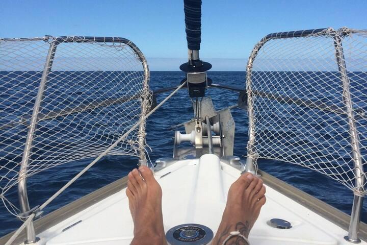 Sailboat in San Blas on a budget