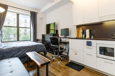 Luxury Studio + Gym, Rooftop, Elevator! - New York - Appartement