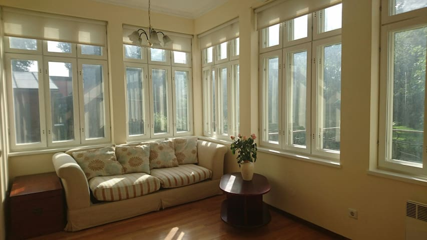 Cozy apartment with terrace - Pärnu - Apartamento