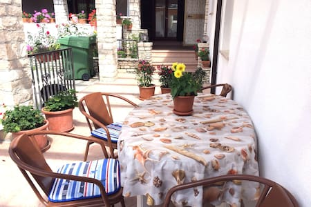 Cottage ANNA close to the sandy beach free wi fi - Byt