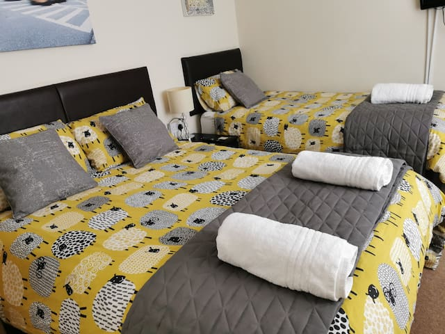 Double bed and Single bed for up to 3 persons. Ideal family room. Ground floor (No 4)