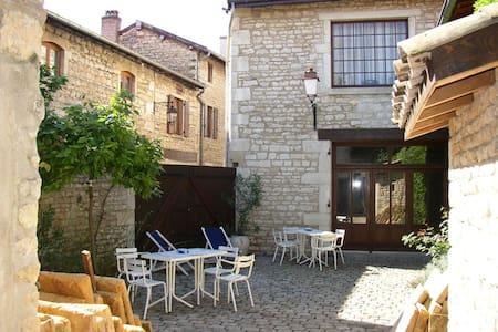 Beaujolais,Pierres dorees,Lucenay69 - Lucenay