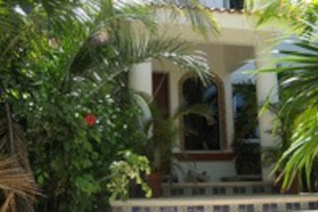 Beautiful, private home located in Akumal Sur.