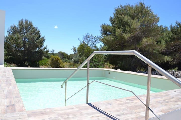 Refreshing Holiday Home in Favignana with Swimming Pool