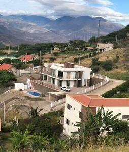 Villa acogedora en Yunguilla con clima tropical