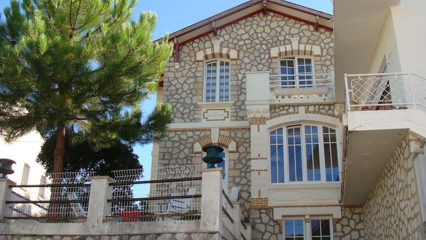 3 chambres dans villa, Parc de Royan, plage 200m