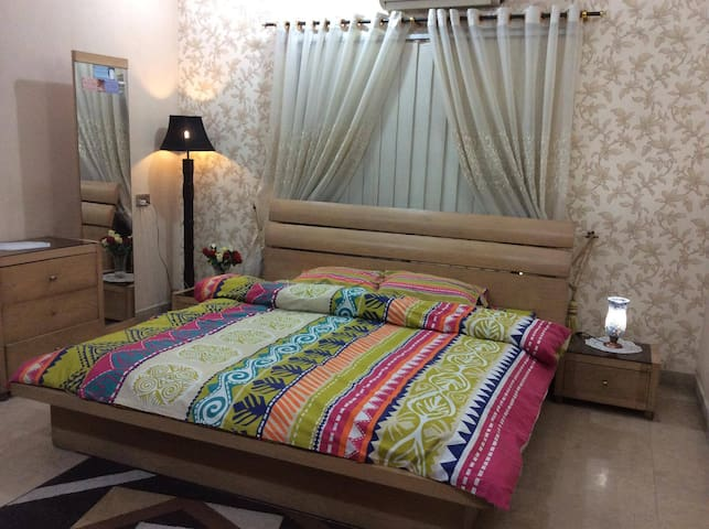 Beautiful Family House in Bahria Town Lahore