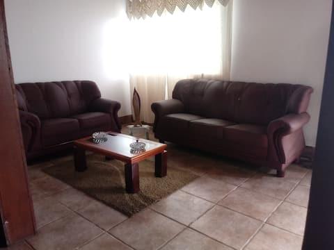 Casa tranquila em Itabirito. 5 min. do centro