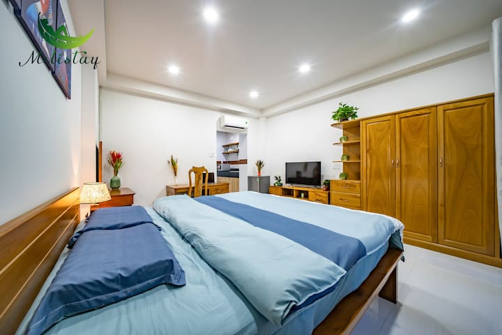 Right At Ben Thanh Market, Modern Cozy Studio