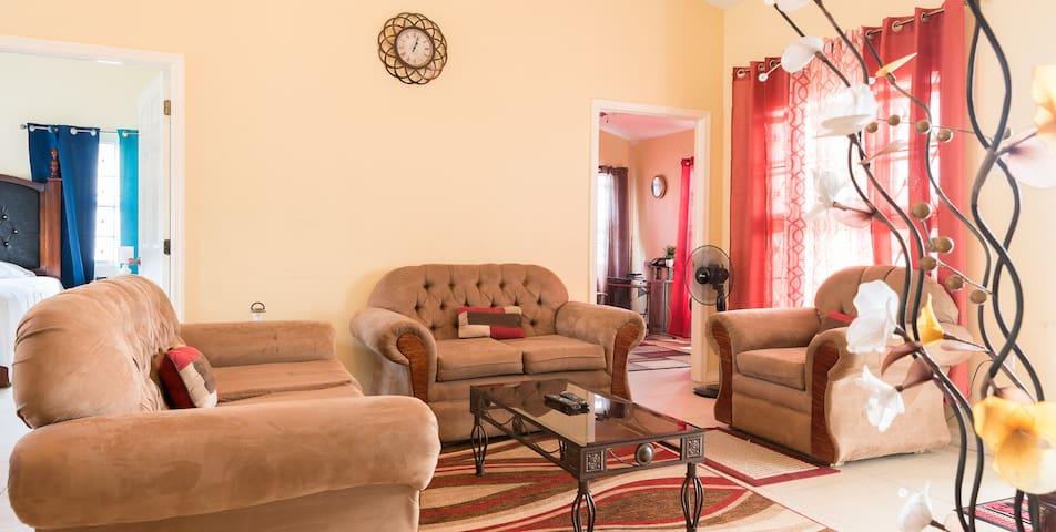 """The Spanish Villa"" Modern spacious peaceful home."