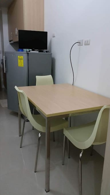 Dinning Table