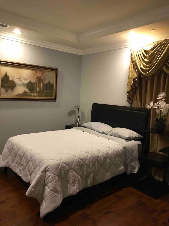 Beautiful Room #2 - Private Entrance