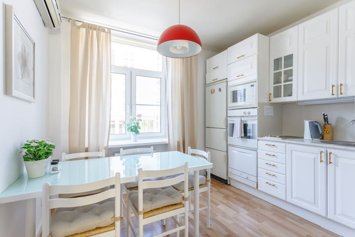 Romantic style apartment in the central Moscow