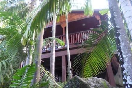 Hillside Retreat Palm Villa