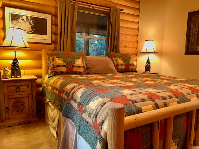 The Wolf Room across from The Bear w/king bed
