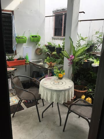 Small apartment just 5 minutes from BigC.