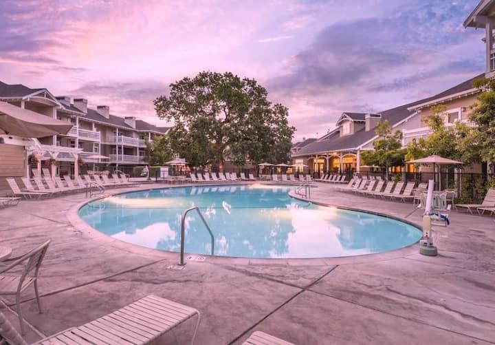 Windsor 2 bdrm beautiful Sonoma villa Ironman