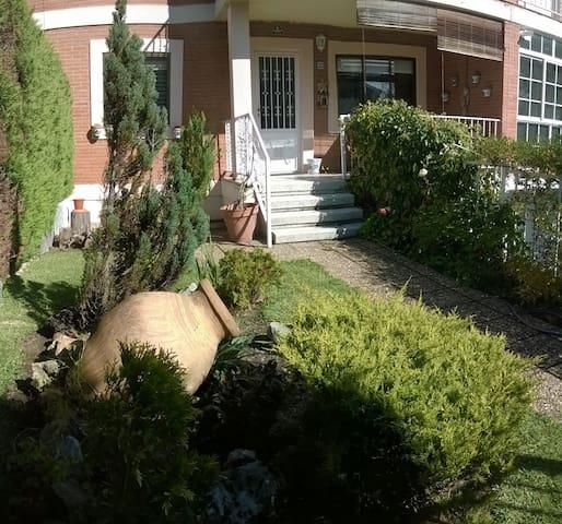 Casa en urbanización tranquila - Santa Marta de Tormes - Townhouse