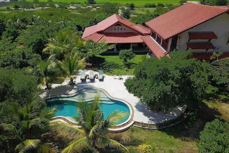 New lakefront safari villa with pool near Yala