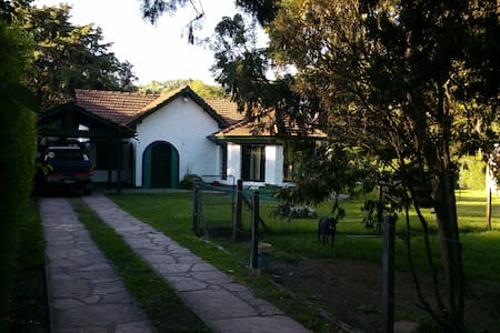 Habitación en casa quinta - Del Viso - Ev