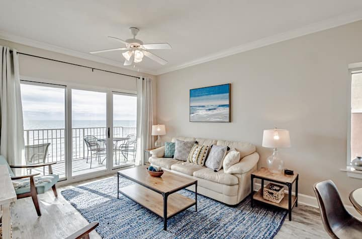 *New Listing* Updated with new furniture and paint! West end with gorgeous view! Gulf Shores, Beach front!