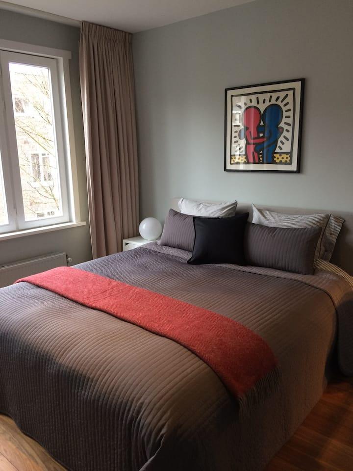 New: Modern comfortable room in De Pijp area