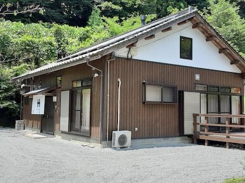 水源の里市志の宿、里山の一棟貸しローカルライフ市志太郎垣