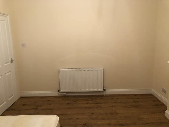 New renovated double bedroom Croydon for rent