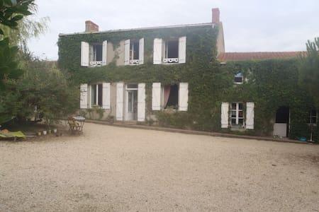 maison ancienne - Saint-Viaud - House