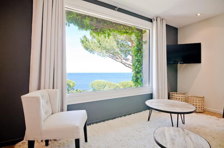 SUITE OF 65M2 FOR 6 PEOPLE - SEA VIEW