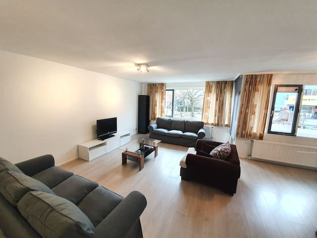 Centrally located beautiful 2 bedroom apartment.