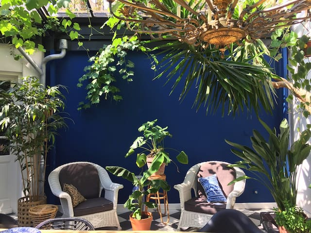 Beautiful oasis in city centre FREE parking+bikes