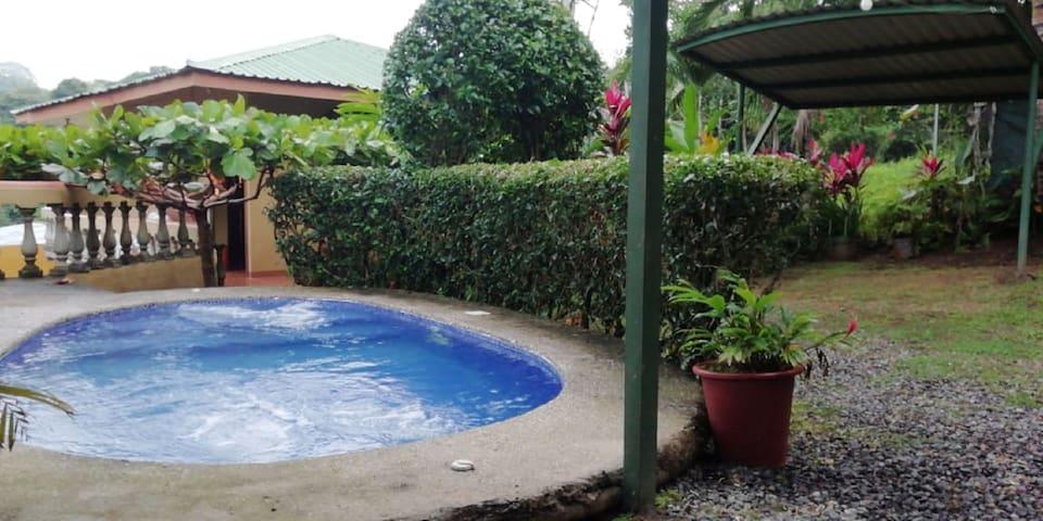Casa Pillow Manuel Antonio (Private pool, A/C)