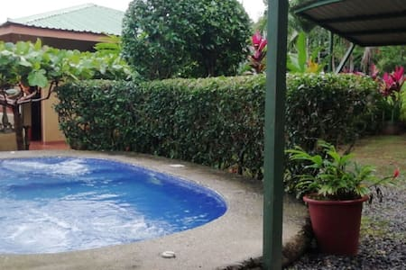 Casa Pillow Manuel Antonio (Private pool, A/C)