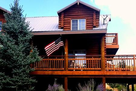 Classic Log Home with spectacular alpine views. - Sundance