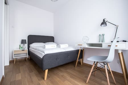 Emihouse Rzeszów Apartament JuniorSuite z balkonem
