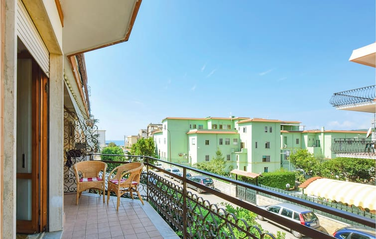 Holiday apartment with 2 bedrooms on 95m² in Marina di Minturno LT