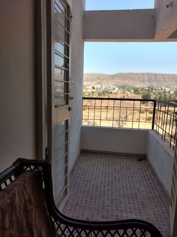 Scenic and Peaceful Apartment - Pune - Casa