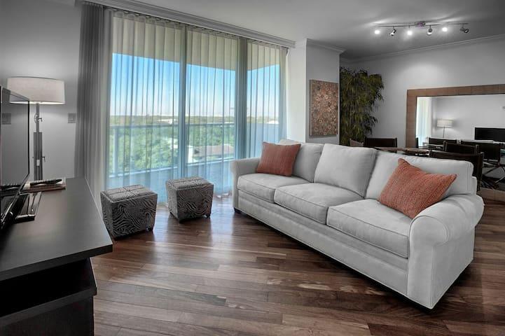 FALL SALE $229/NT 3BD/3BA - HOTEL ARYA - SLEEPS 8!