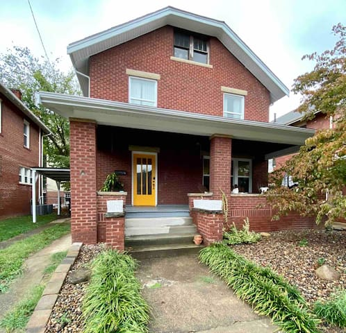 Jewel City Gem! Near Cabell Hospital, Ritter 3BR