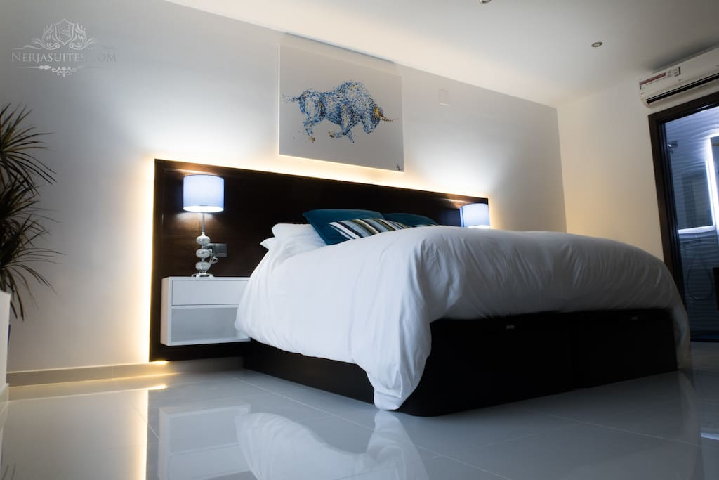 Superking (marshmallow bed) Bedroom with En Suite (also available in Twin Configuration)