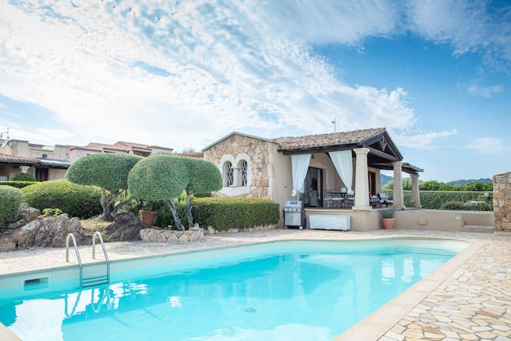 Stylishly furnished villa with pool - Villa Lisa Verde Mare