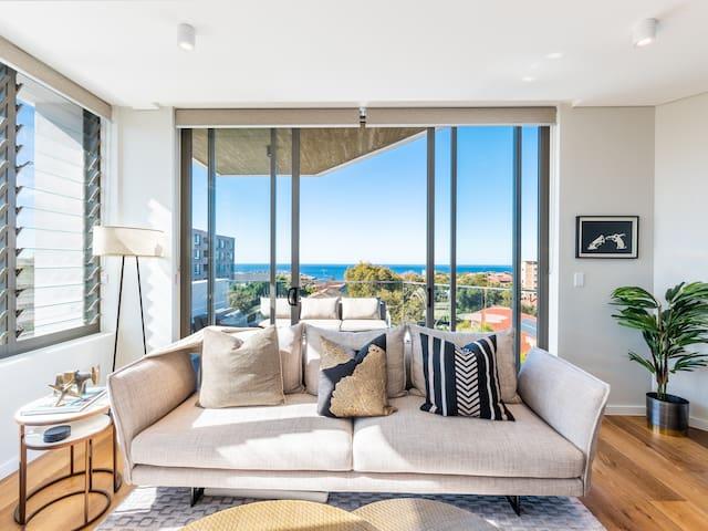 Bondi Amari 604 with Balcony & Ocean Views