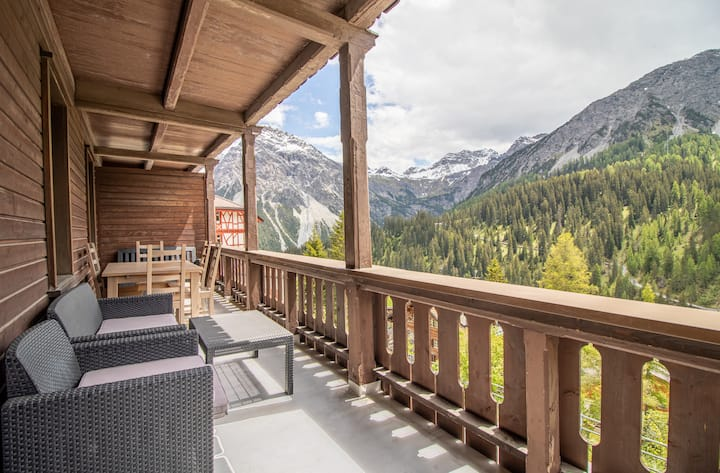 Weisshorn House, Charming apartment with  views